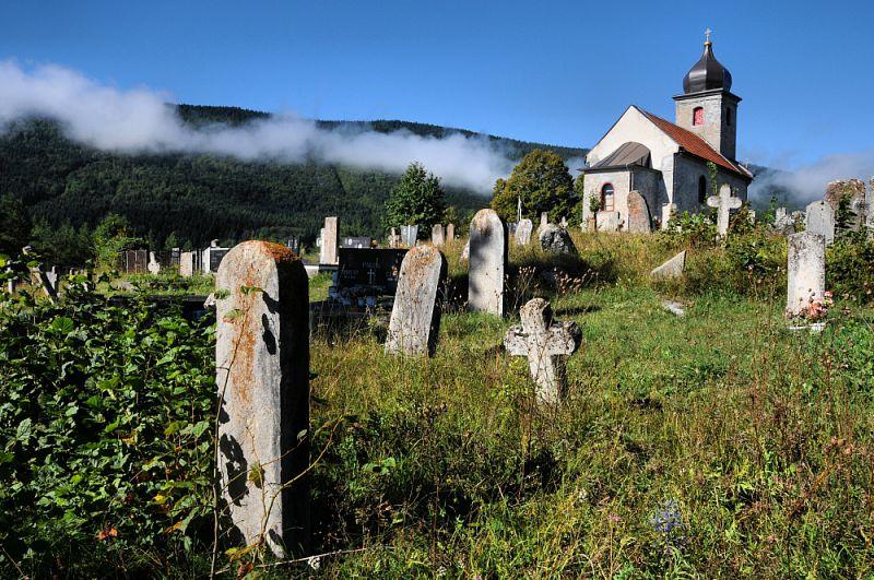 Starý hřbitov u našeho nocležiště.