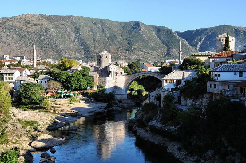 Ranní Mostar.