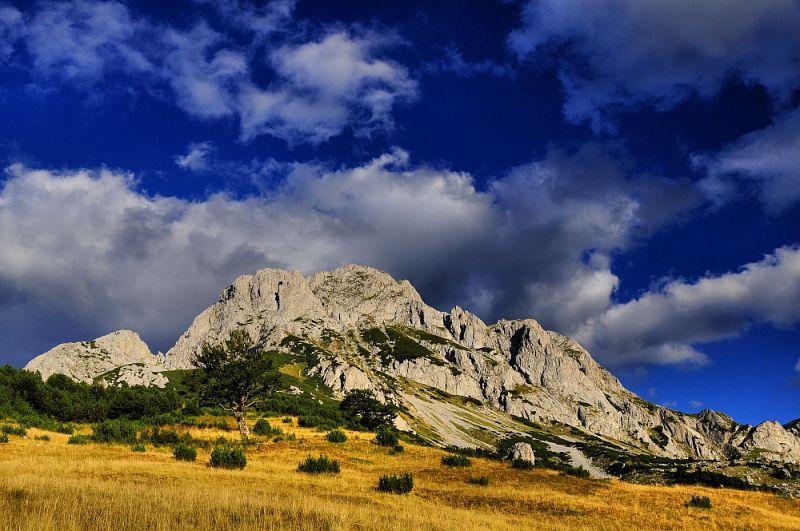 Bosanski Maglič (2386 m).