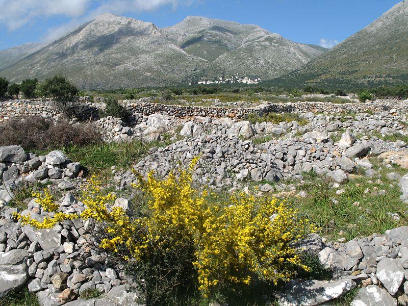 Kouzelnou pobřežní krajinu v pohoří Máni jsme si zamilovali
