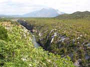 kaňon Cetiny, v pozadí Biokovo