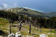 Pohled na pobřeží Jónského moře zpohoří Cikës vAlbánii.