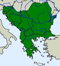 rozšíření užovky stromové Zamenis longissimus  na Balkáně (zeleně)